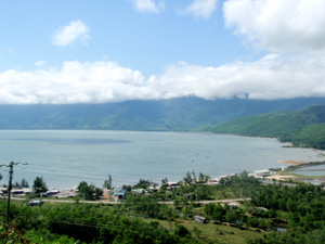 View on drive to Hoi An