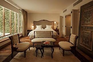 Hotel B Room
