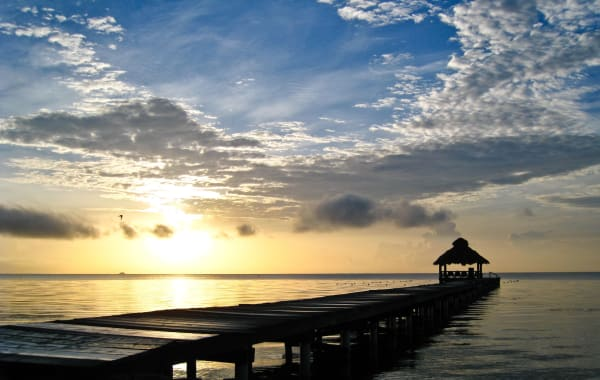 beach-sunrise-ambergris-caye-16111