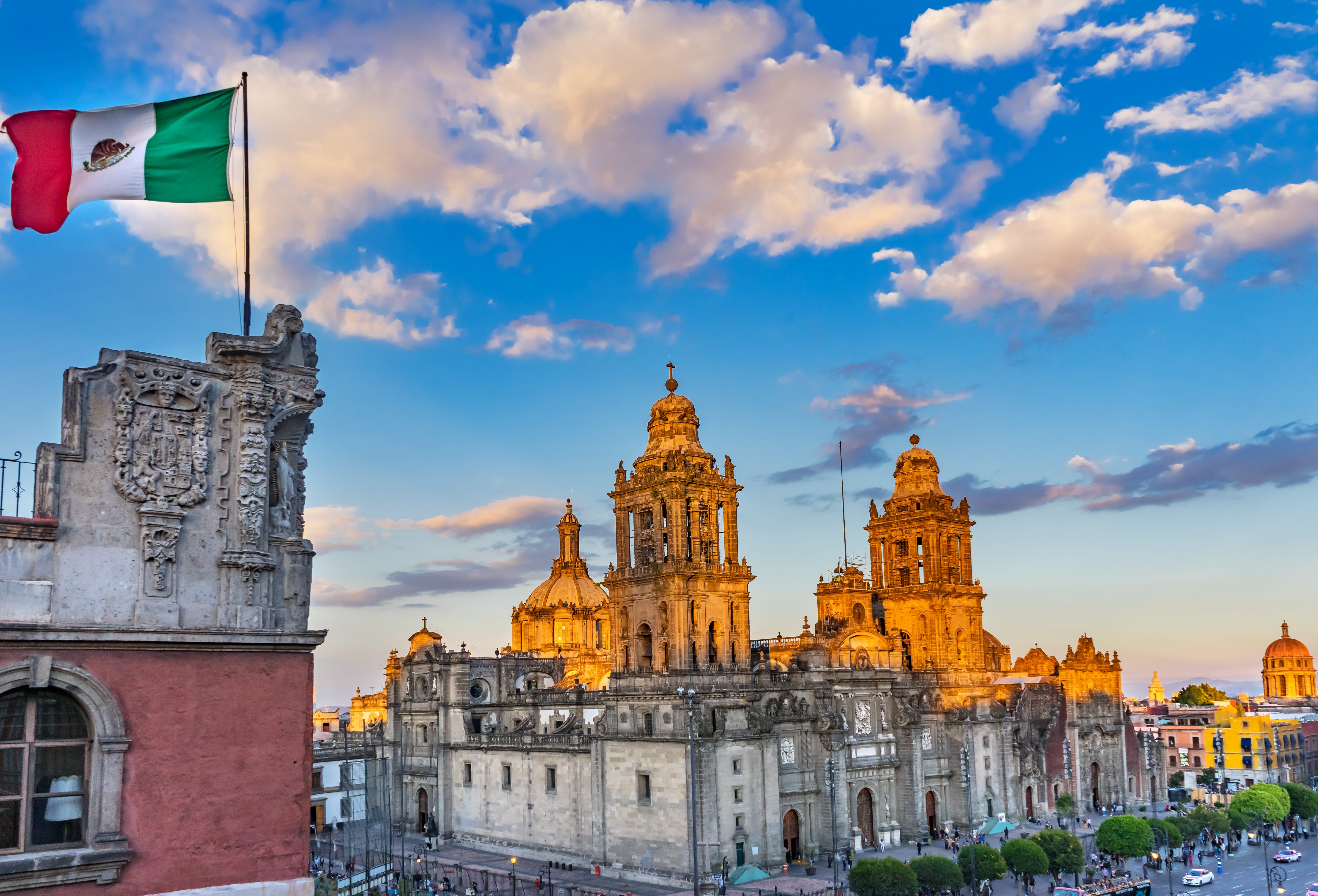 bigstock-Mexican-Flag-Metropolitan-Cath-281322370