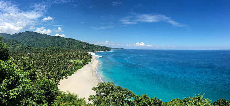 bigstock-Seascape-Of-Lombok-Island-Ind-197284480 (2)