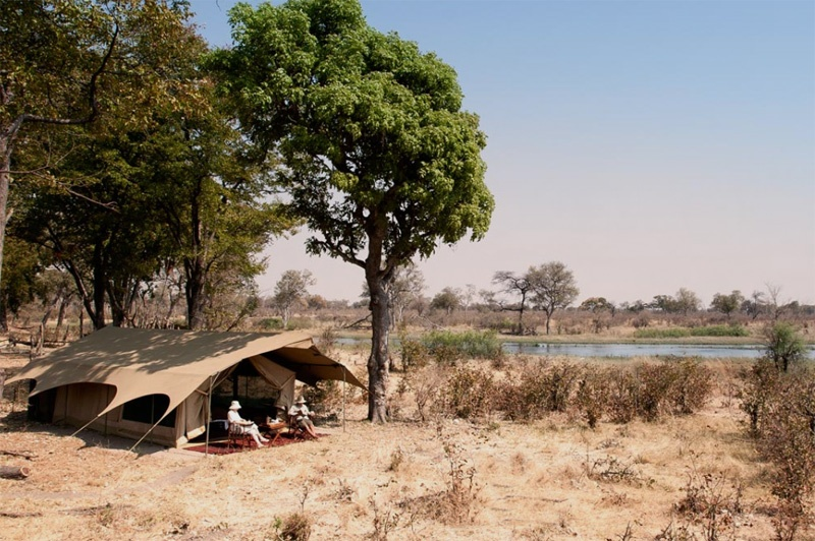 Botsawna-Safari-salinda-explorer.jpg