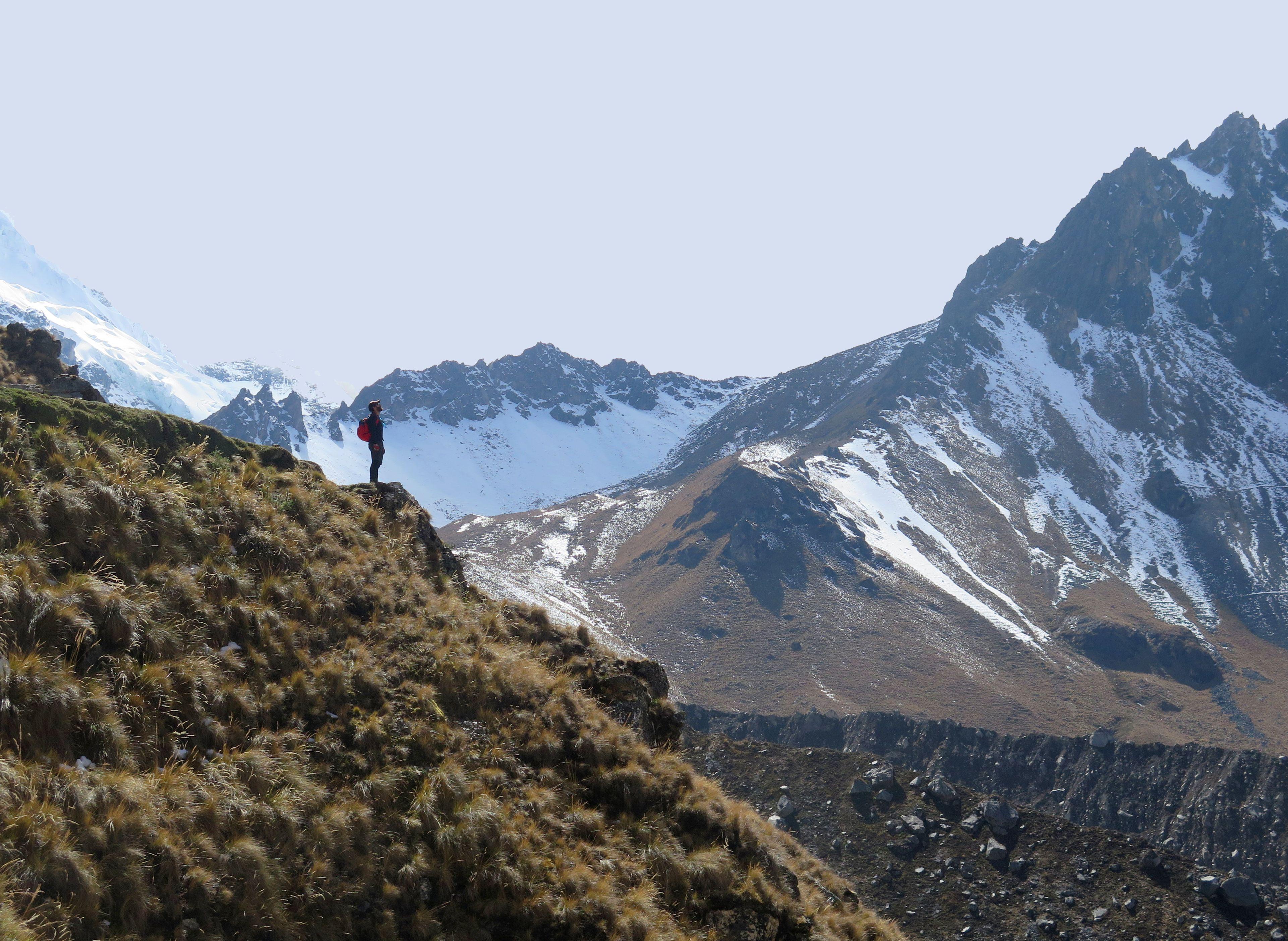 landscape-people-trekking-salkantay-16434