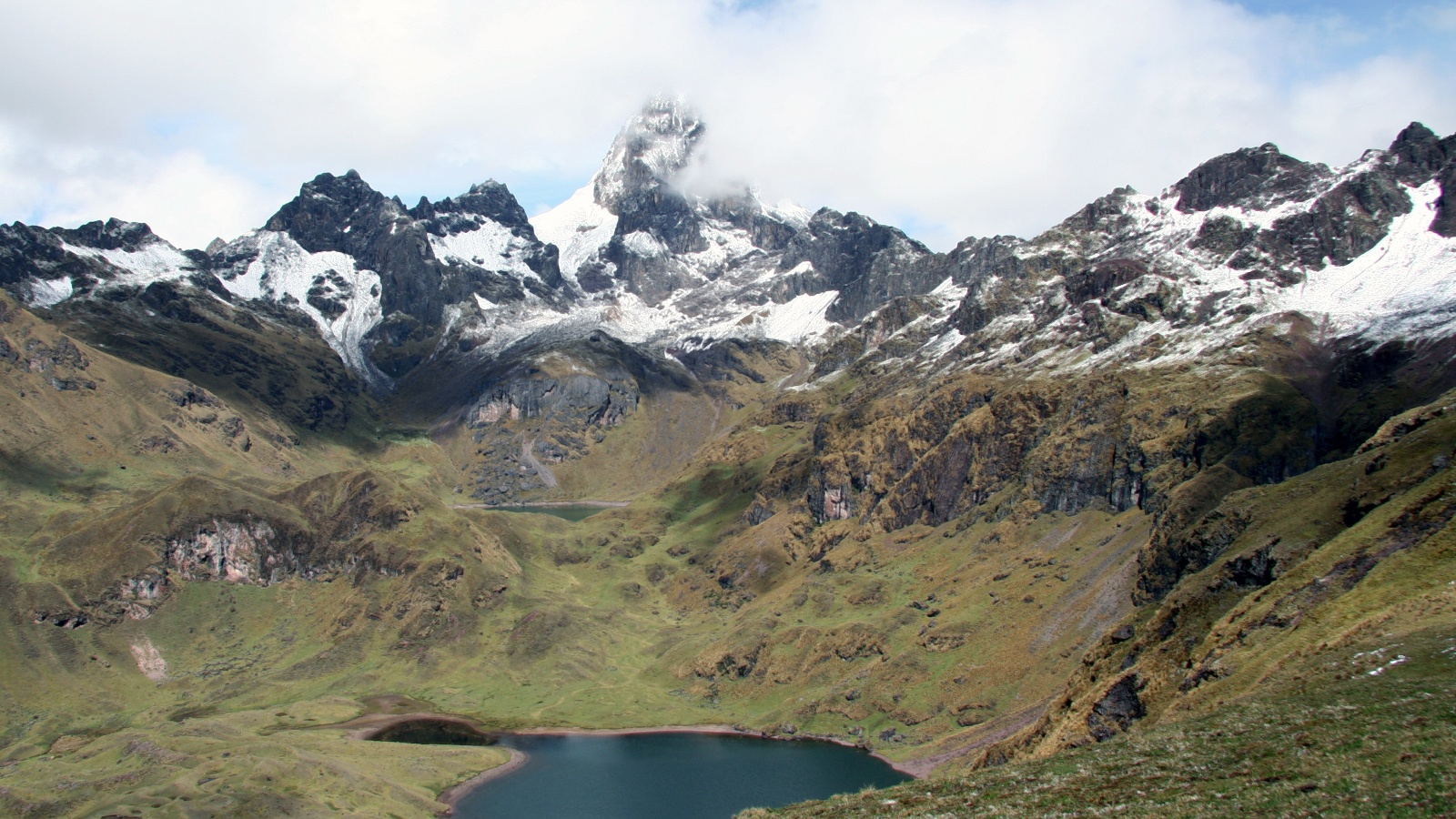 lares-lares-trek-large-1.jpeg