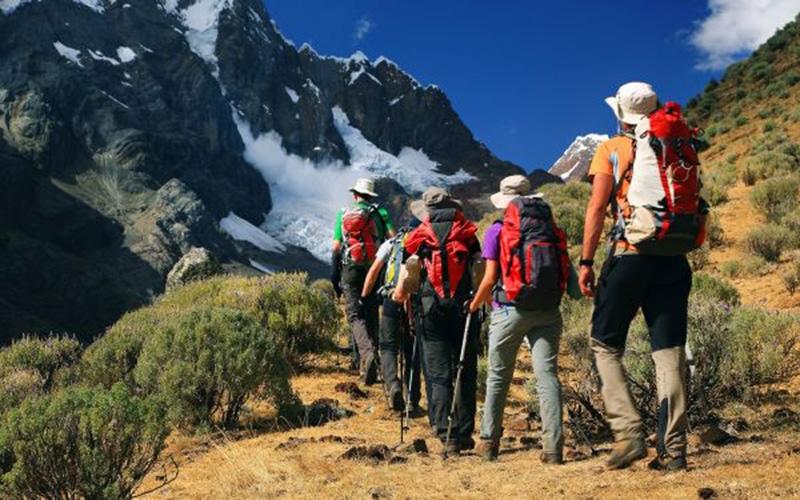 people-trekking-13928