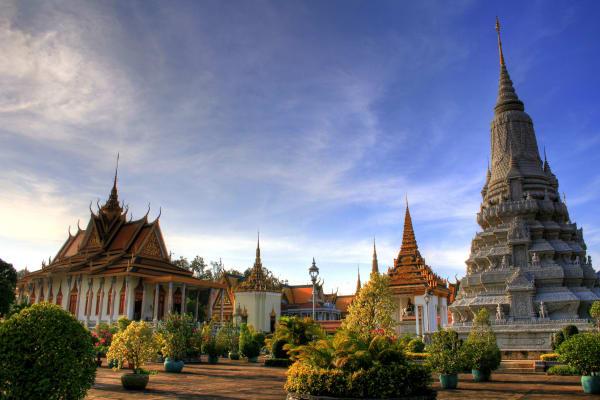 phnom-penh-royal-palace-city-14955