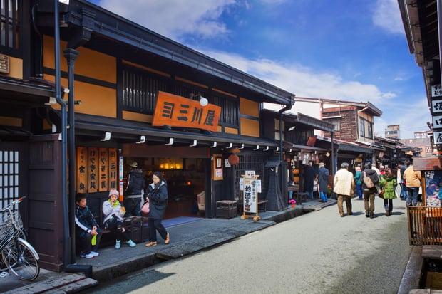 takayama-city-street-13827.jpg