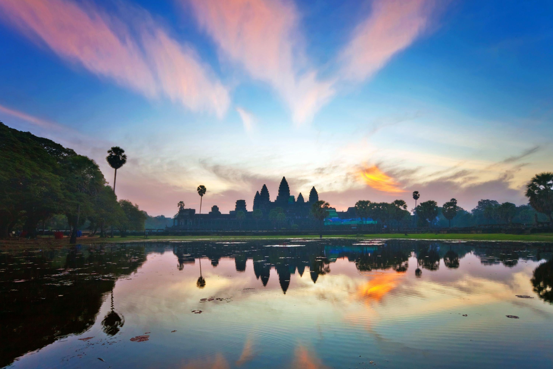 temple-angkor-wat-sunrise-landscape-14937.jpg