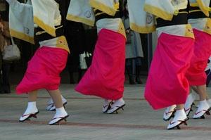 bigstock-Japanese-dancers-866101
